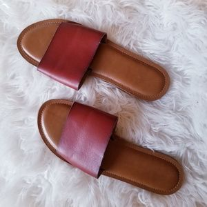 Universal threads faux leather slides